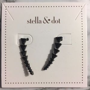 Stella & Dot Pavé Triangle Path Ear Climber